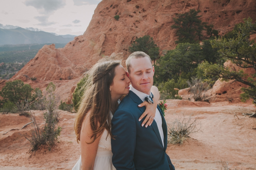 Garden-of-the-Gods-Colorado-Springs-Elopement-47